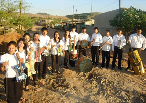Recycled-Orquestra-Cateura